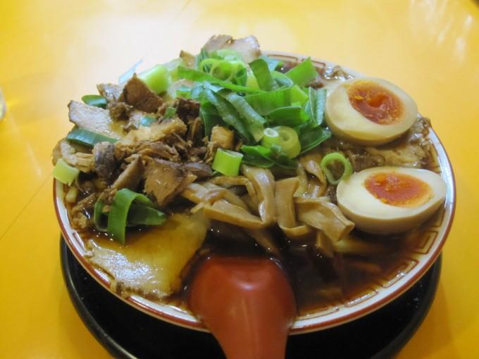 チャーシュー麺(中)+味付け玉子 / 中華そば 麺や7.5Hz 若江岩田店