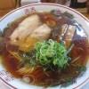 『金久右衛門 梅田店 / 紅醤油ラーメン』 醤油と鶏ガラ、両方のうま味がたっぷり味わえる美味しいラーメン