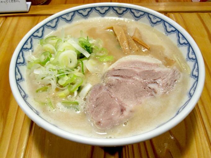 光龍益「ラーメン」 〜大阪 都島、桜ノ宮駅近くのとろっとろの極うまスープを堪能〜