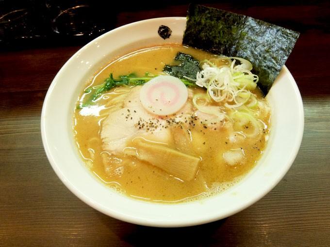 『ららら / 満足水餃子定食』 あっさりで美味しい煮干しらーめんともっちり水餃子のお得な定食です。