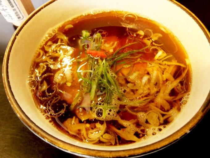 201511_tsurumen_kurotsukesoba_soup