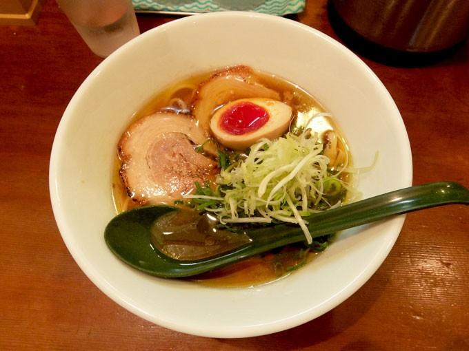 はなぶさ「中華そば」 〜大阪 本町の目で楽しめ舌で楽しめるとても美味しいラーメン店〜