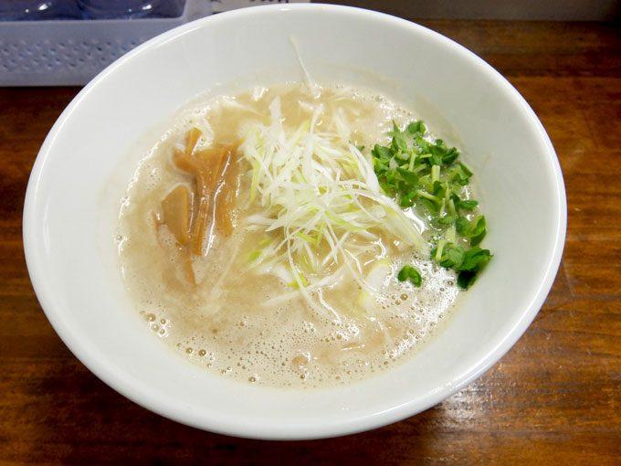 らーめん なんぞ屋「鶏豚ラーメン」 〜大阪 鶴橋 味と香り、共にバランスの取れた美味しい鶏豚ラーメン〜