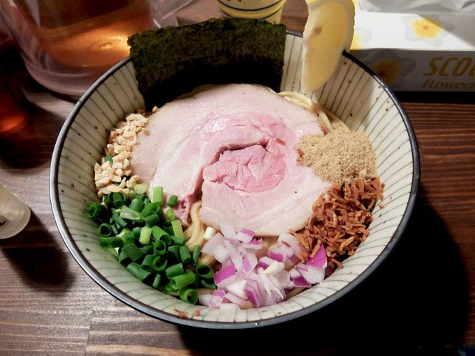 麺屋 頭上注意 ふすかけ1.8号店「中」〜大阪 中崎町 いろいろな味が口の中に広がる面白美味しいまぜそば〜