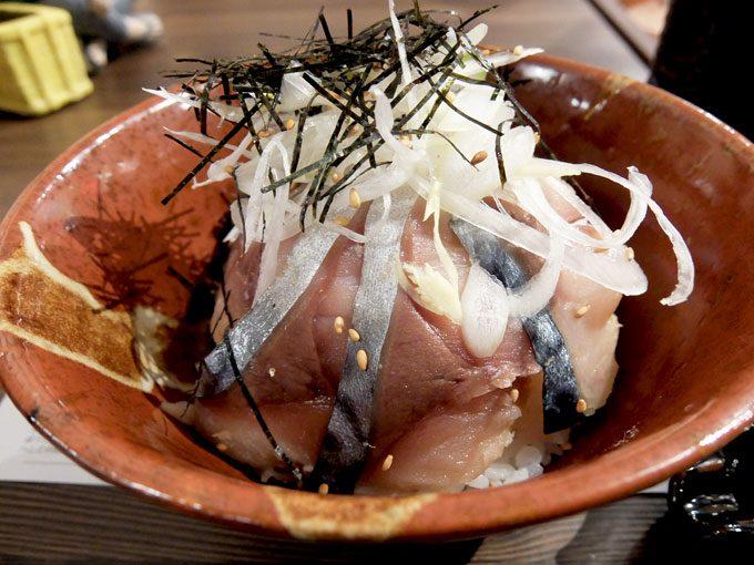 とろさば料理専門店 SABAR 阪急三番街店 〜大阪 梅田 漬け丼とお茶漬けで1度で2度美味しい、究極のとろさば漬け丼〜