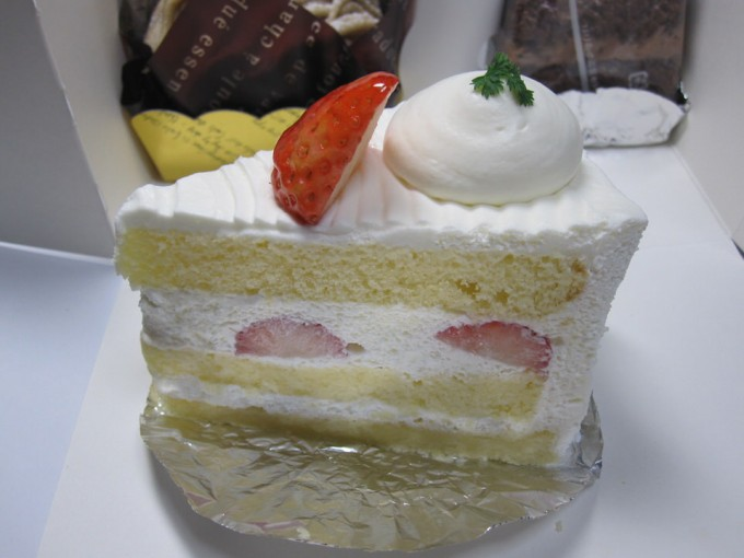 おいしいケーキいろいろ / アン・スタージュ サタケ