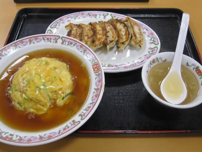 天津飯 餃子 鶏の唐揚げ(ジャストサイズ) / 餃子の王将 久宝寺店