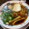『金久右衛門 本店(その2)/ 紅醤油ラーメン』 醤油と鶏ガラ、両方のうま味がたっぷり味わえる美味しいラーメン