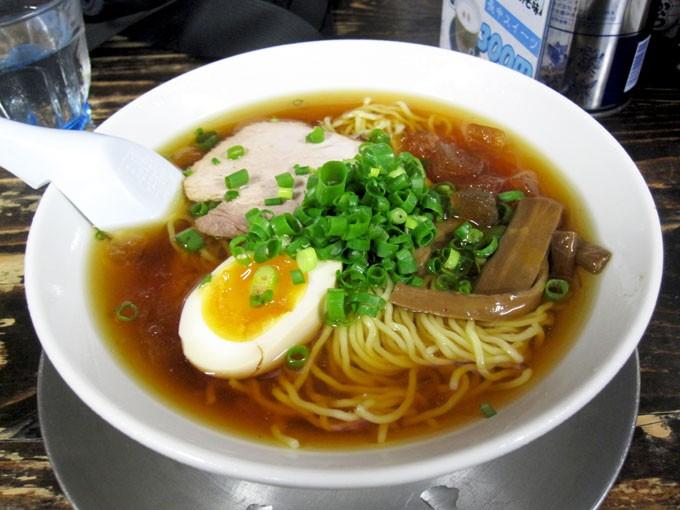 『長尾中華そば 西バイパス本店 / 冷やしラーメン(冷ニボ)』カンカン照りの日に食べる冷やしラーメン、最高
