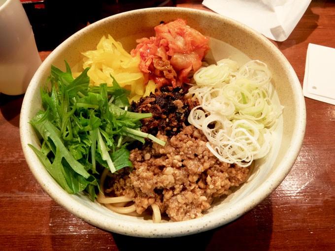 大阪 鴻池新田「麺や 而今」キムラ君 〜いろいろな噛み応えが一度に楽しめて美味しい汁なし和えそば
