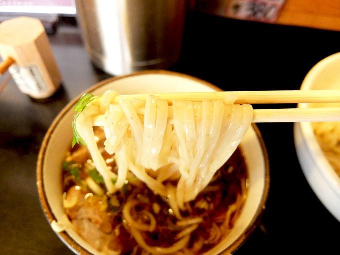 201511_tsurumen_kurotsukesoba_noodles2
