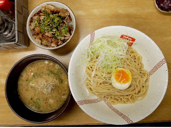 らーめん 弥七「つけ麺・ヘタめし」〜大阪 中津 ゴールデンウィークは4/29、5/1,2,3が営業日です〜