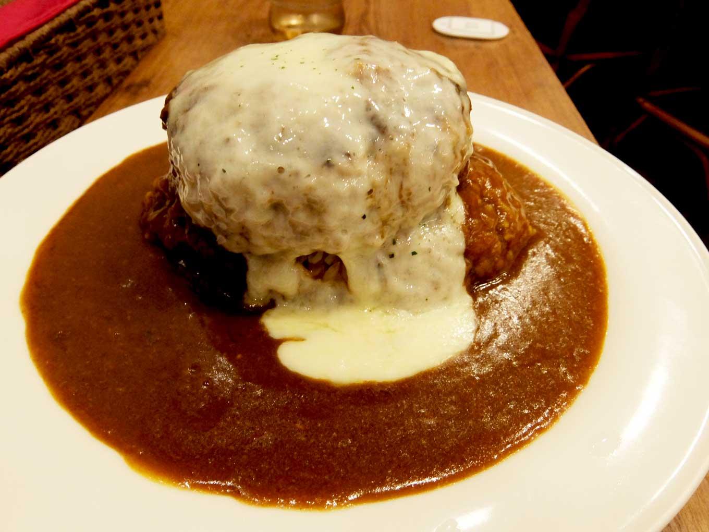 いずみカリー メガバーグ+チーズ