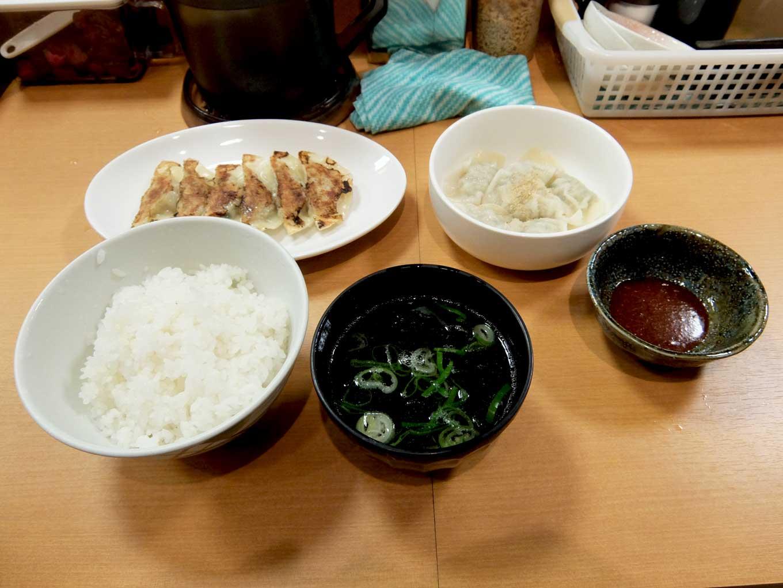 餃子酒場 餃子とレモン 餃子定食