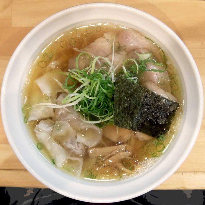 大阪 梅田「大阪麺哲」醤油雲呑