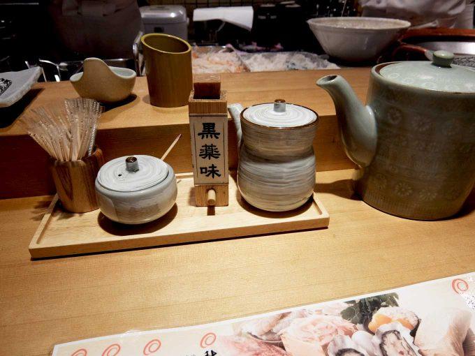 天ぷら まきの 梅田店 テーブル