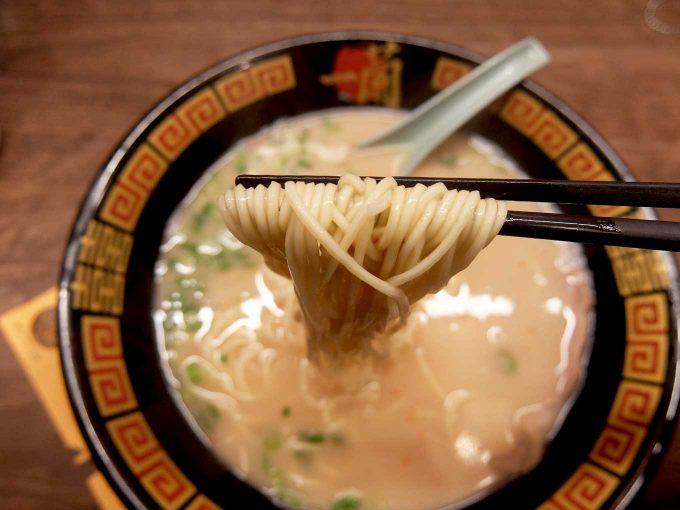 一蘭 梅田阪急東通店 ラーメン 麺