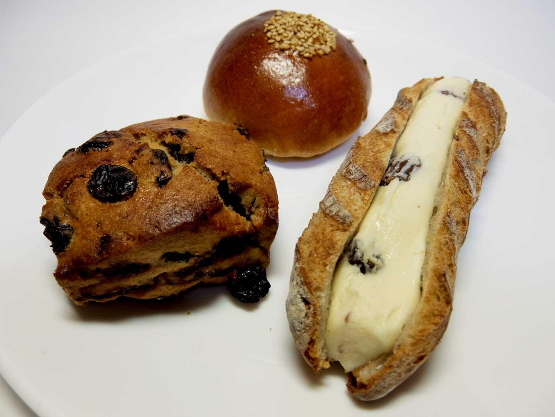 Moulins et cafe gout ラムレーズンサンド、レーズンスコーン、小倉あんぱん