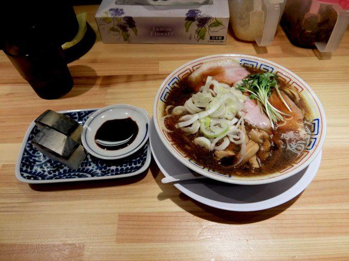 大阪 梅田「サバ6製麺所 大阪駅前第2ビル店」サバ醤油そば、サバ寿司
