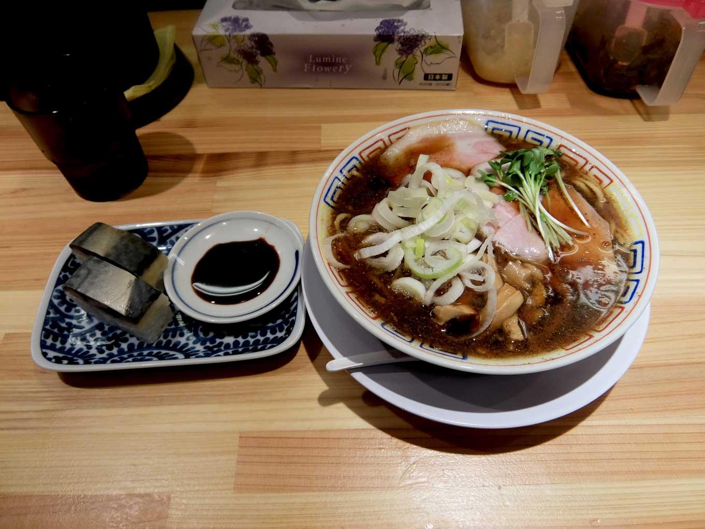 サバ6製麺所 大阪駅前第2ビル店 サバ醤油そば、サバ寿司