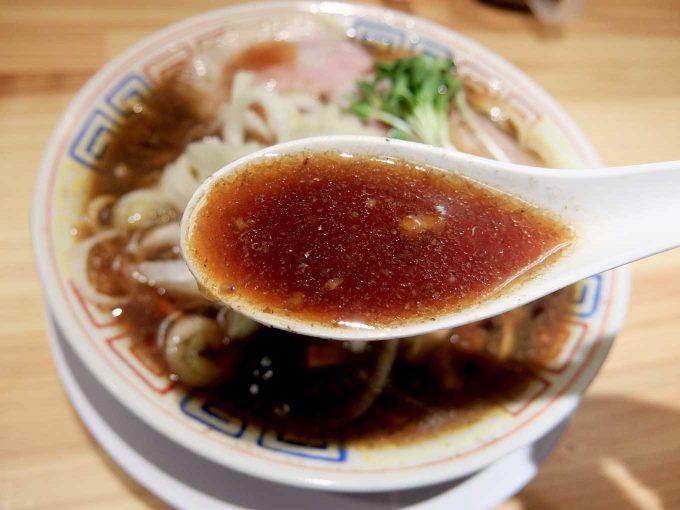 サバ6製麺所 大阪駅前第2ビル店 サバ醤油そば、サバ寿司 スープ