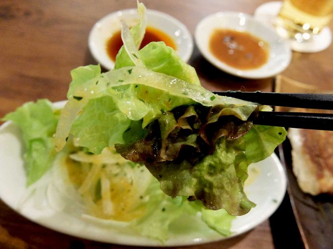 大阪 梅田「chaoVia」チャオチャオ餃子ランチ サラダ