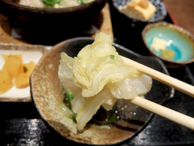 大阪 梅田 ルクア バルチカ「宮崎酒場 ゑびす」かしわ鍋定食 白菜