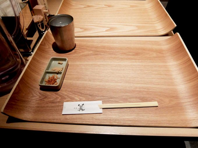 大阪 梅田「銀座 篝 ルクア大阪店」テーブル