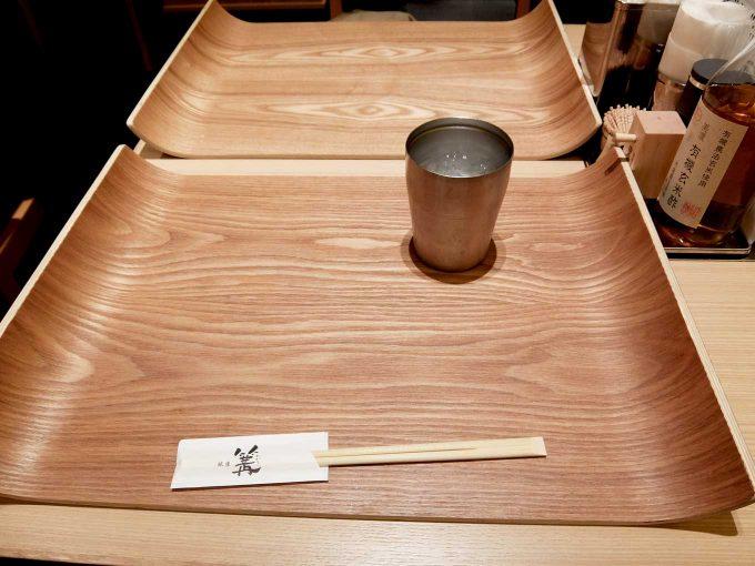 大阪 梅田 ルクア大阪 バルチカ「銀座 篝 ルクア大阪店」テーブル