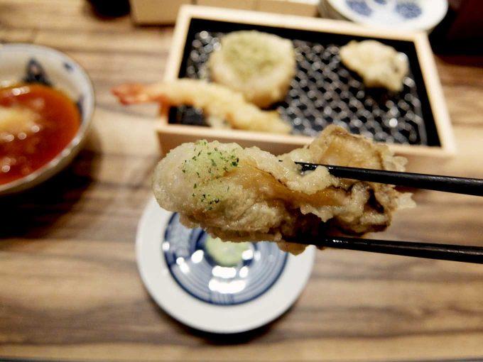 大阪 梅田 ルクア バルチカ「立呑み・天ぷら 喜久や」牡蠣