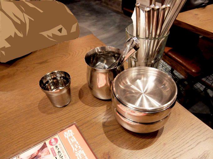大阪 梅田 ルクア バルチカ 韓国酒場 コッキオ ルクア大阪店 テーブル