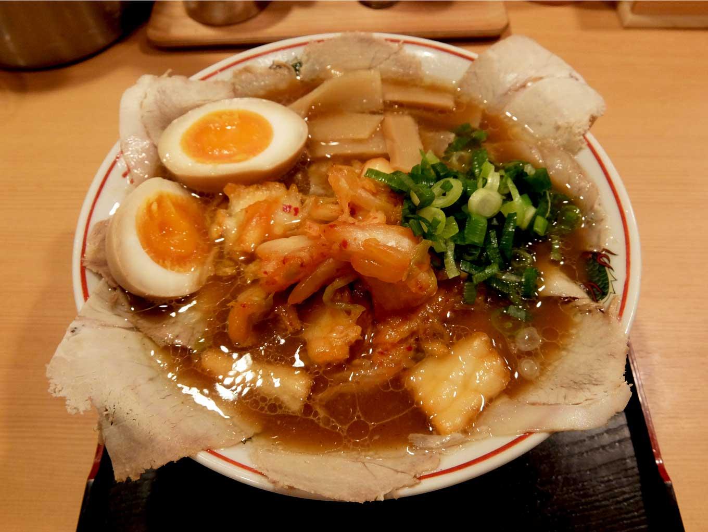 大阪 日本橋「作丸」醤油ラーメン キムチ しょうゆ玉子