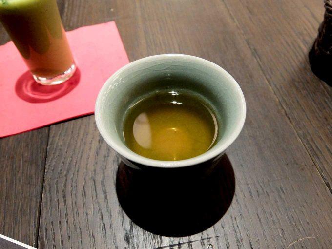 大阪 梅田 ルクア バルチカ「焼肉トラジ ルクア大阪店」トラジ御膳 お茶
