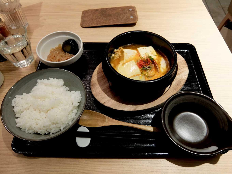 梅田肉料理 きゅうろく「黒毛和牛ハンバーグランチ」in 大阪 ...