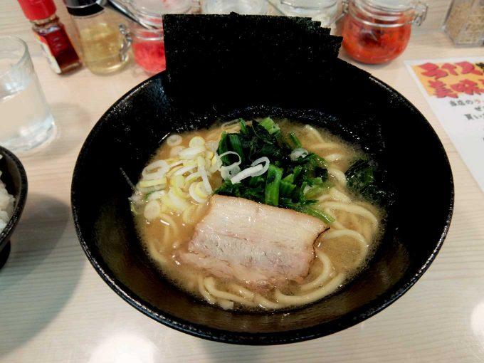 横浜家系ラーメン 梅田家「家系醤油ラーメン」in 大阪 梅田