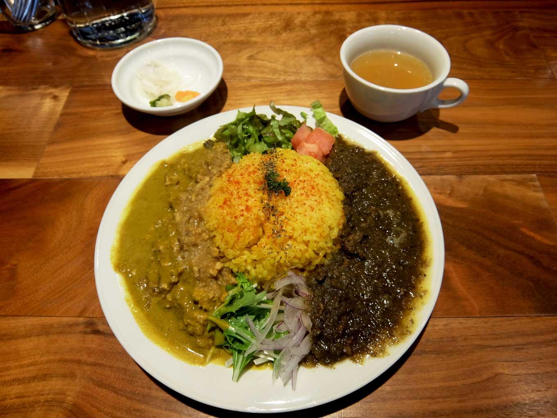 コバチ咖喱 「あいがけカリー (チキンキーマカリー,ラムキーマカリー)」 in 大阪 中崎町