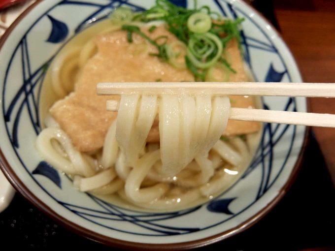 丸亀製麺 大阪第4ビル店 「きつねうどん 麺」in 大阪 梅田
