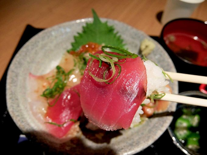 大阪・堂島 トロ家「季節の海鮮5種丼 まぐろ」in 大阪 梅田 UMEDA FOOD HALL