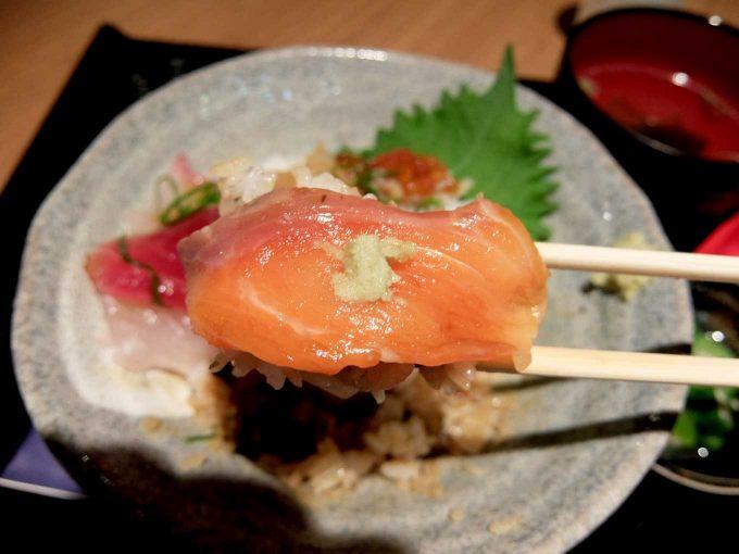 大阪・堂島 トロ家「季節の海鮮5種丼 サーモン 2」in 大阪 梅田 UMEDA FOOD HALL