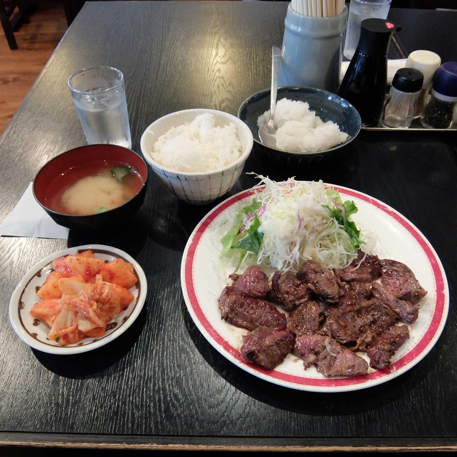 駅 ランチ 大阪