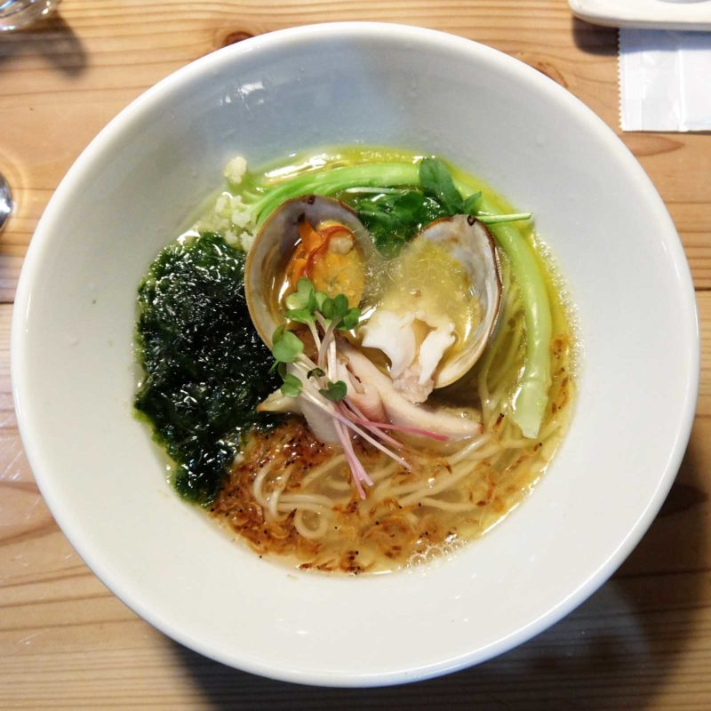 最後まで熱々のあっさりうま味たっぷりスープの「磯鶏潮」間借り 無化調 らあめん 残心 in 北新地 梅田 大阪