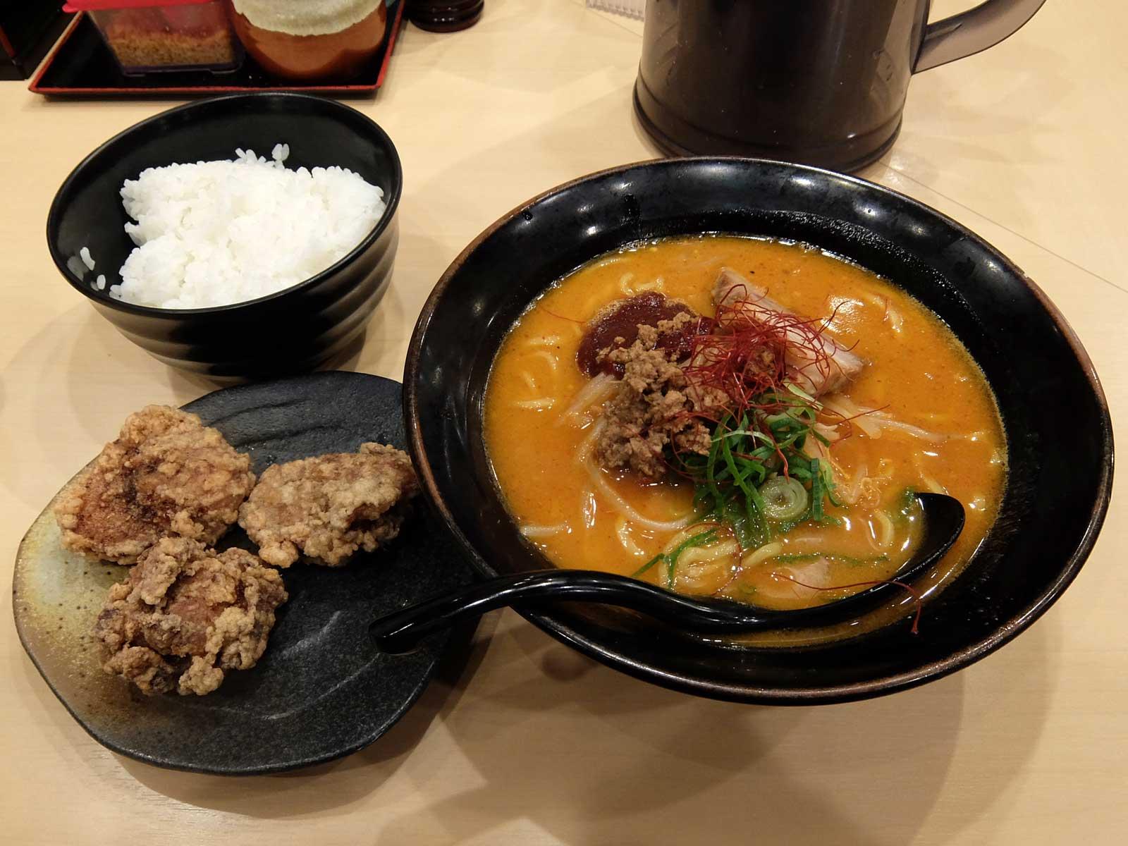 辛味噌ラーメン「麺乃國+ 味噌物語」in 梅田 大阪